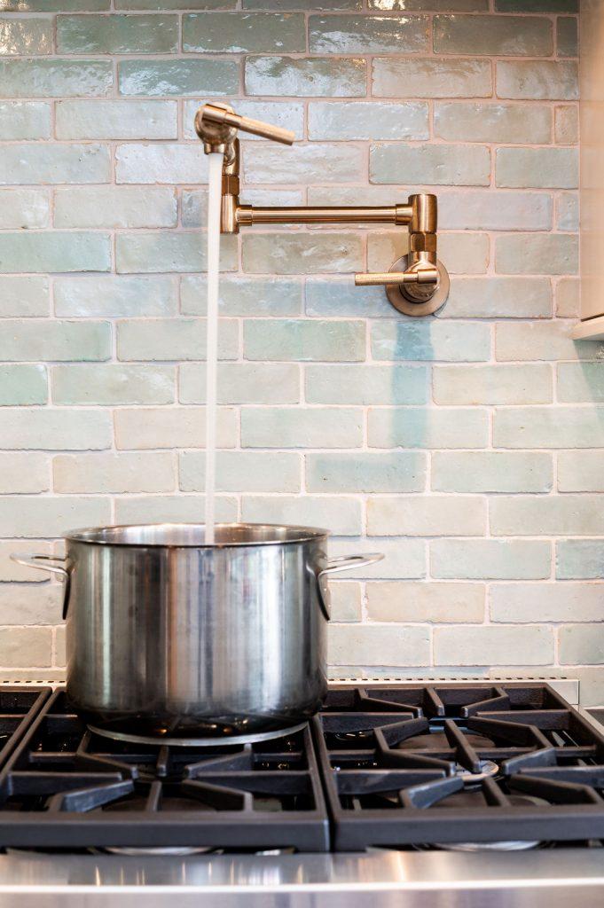 Brass potfiller faucet