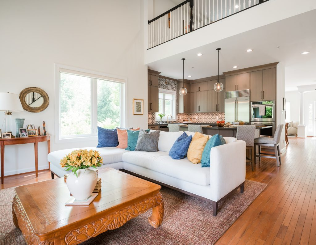 Bright and airy open plan living room and kitchen.