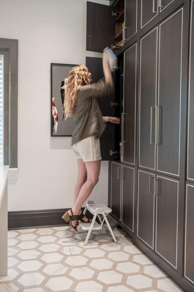 Hannah Triebel using the pull-out/folding stool (2)